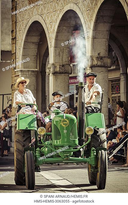 France, Ariege, St Girons, Autrefois le Couserans, scene of life during the days of rural animations on the old jobs of yesteryear in the Couserans