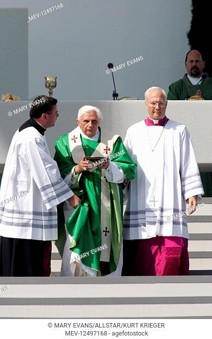 Pope Benedict Xvi The Pope Pope Visit Marktl Am Inn, Germany 10 September 2006 Pope Benedict Xvi The Pope Pope Visit Marktl Am Inn