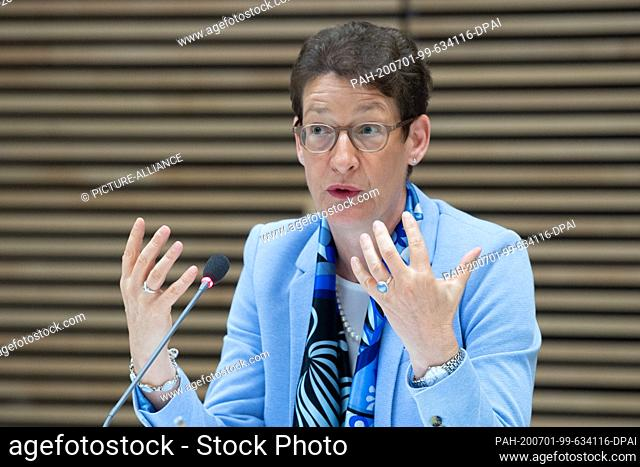 01 July 2020, Saxony, Dresden: Katrin Leonhardt, CEO of the Sächsische Aufbaubank (SAB), speaks at a press conference. The development bank presented its...