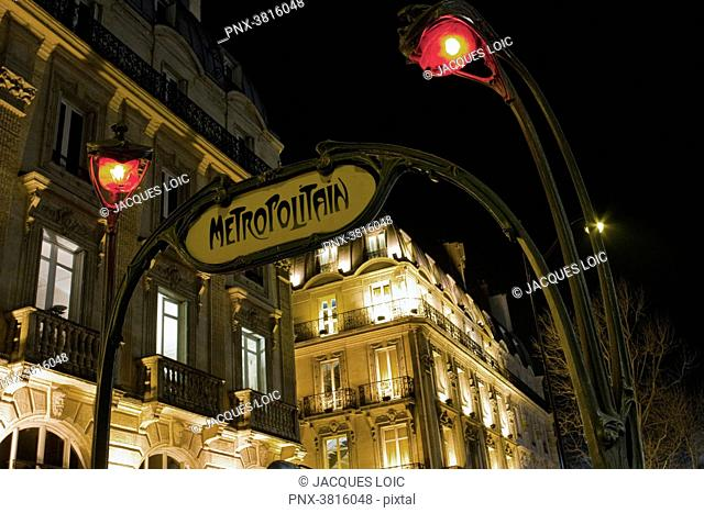 France, Paris, Saint-Michel subway station, at night