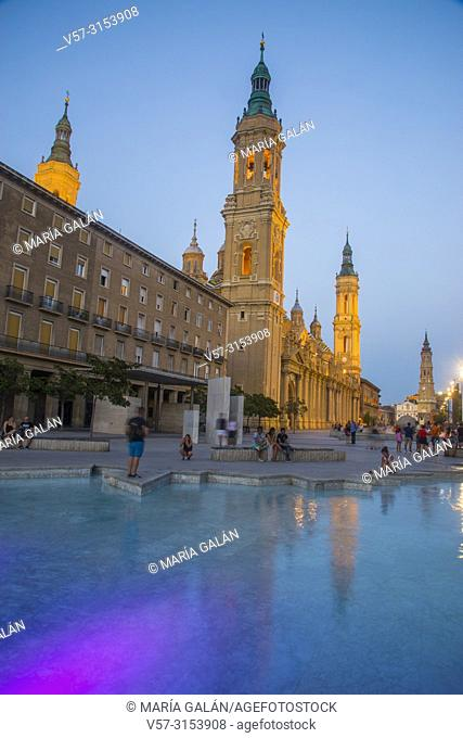Plaza del Pilar at nightfall. Zaragoza, Spain