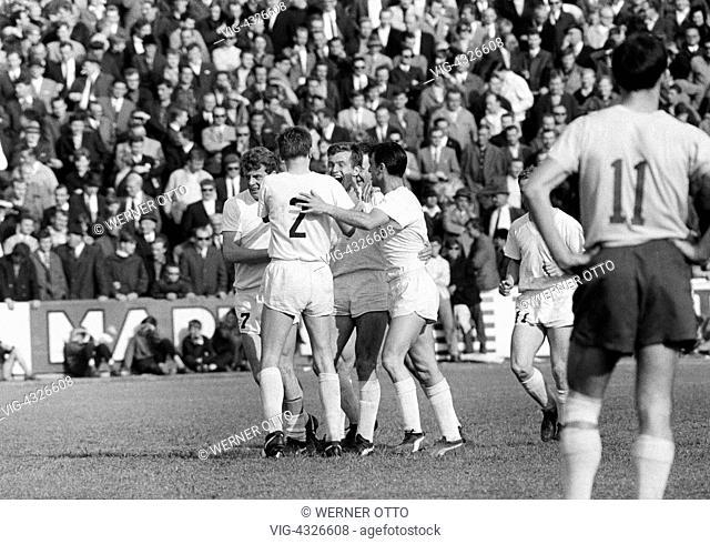 Fussball, Bundesliga, Saison 1966/1967, Stadion an der Hamburger Strasse, Eintracht Braunschweig gegen Borussia Moenchengladbach 2:1