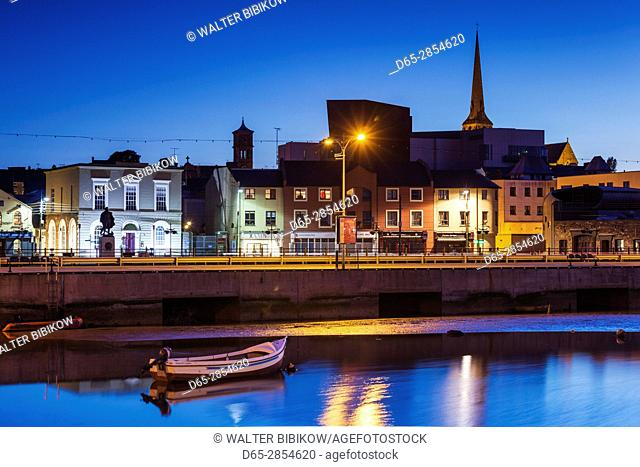 Ireland, County Wexford, Wexford Town, boats on the River Slaney, dusk