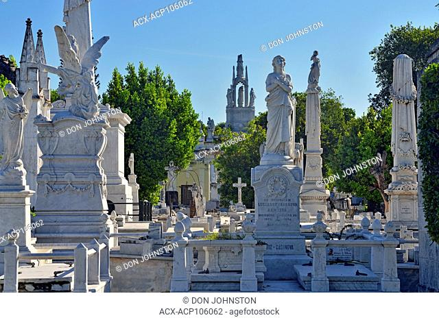 Colon Cemetery (Cementerio de Cristóbal Colón)- Decorative statuary on the memorials to the wealthy