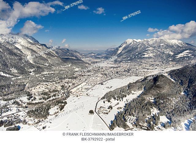 Townscape of Garmisch, Garmisch-Partenkirchen, Loisachtal, Bavaria, Germany