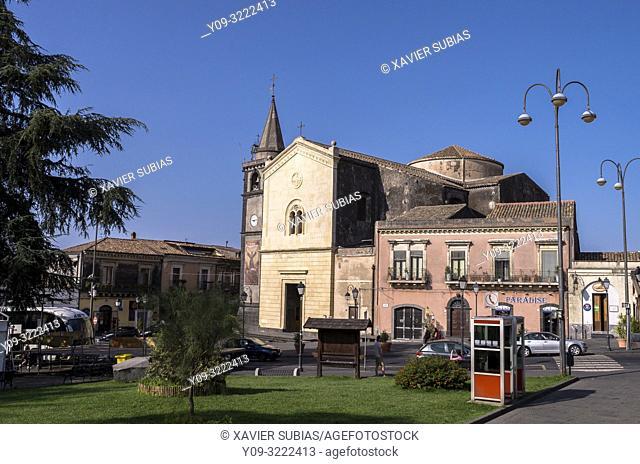Church Madre Spirito Santo, Piazza Vittorio Emanuele, Nicolosi, Catania, Sicily, Italy