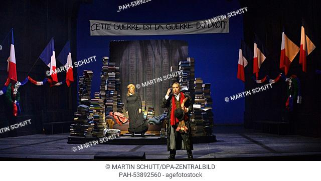 """Mate Solyom-Nagy als Cripure and Katja Bildt as Maia rehearse a scene from the opera """"""""Das schwarze Blut"""""""" on stage at the Theater Erfurt in Erfurt, Germany"""