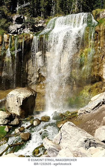 Paulina Falls, Newberry National Volcanic Monument, Oregon, USA