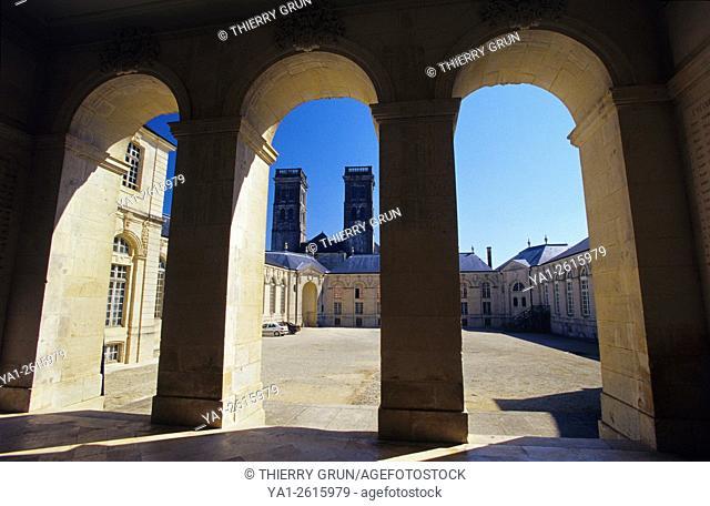 France, Meuse (55), Verdun town, Episcopal palace housing Worldewide Center of Peace