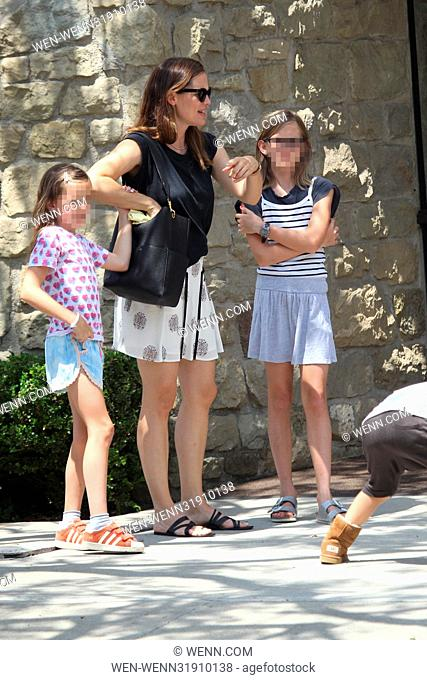 Jennifer Garner and her children leaving the Community United Methodist Church of Pacific Palisades in the Pacific Palisades neighbourhood of Los Angeles