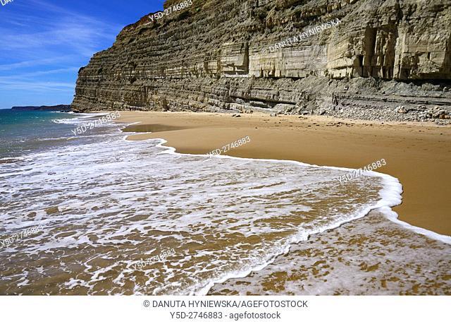 free of crowd, picturesque Porto de Mos beach, Lagos, Algarve, Portugal, Europe