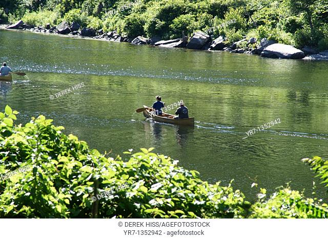 Boaters rowing in Delaware River