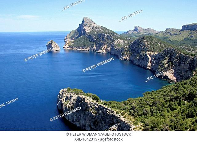 Spain, Majorca, Views of the cliffs from the Mirador des Colomer