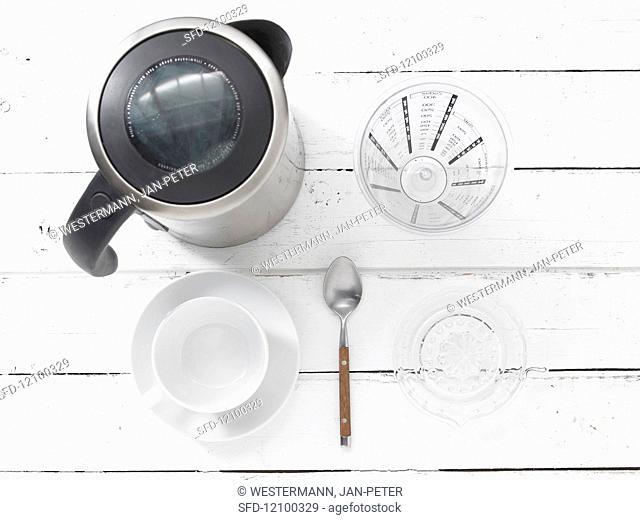 Kitchen utensils for making tea