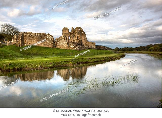 Ogmore Castle and River Ewenny, Glamorgan Heritage Coast, Vale of Glamorgan, South Wales