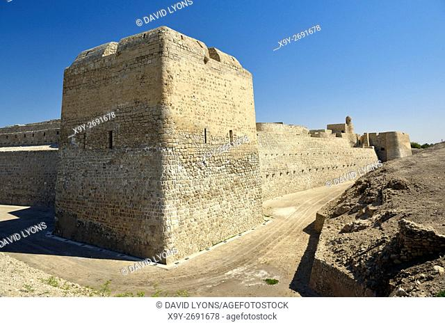 Bahrain Fort dates from 2300 BC Copper and Bronze Ages. Once capital of Dilmun civilization. View south along the west wall
