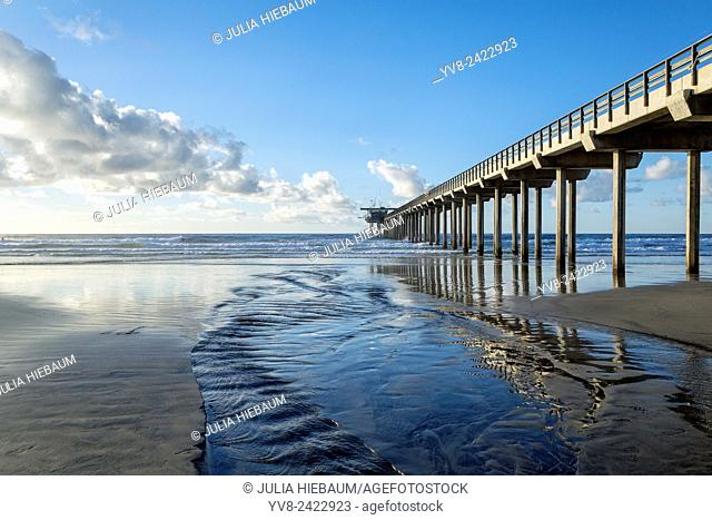 La Jolla Shores showing the Scripps pier at low tide, California