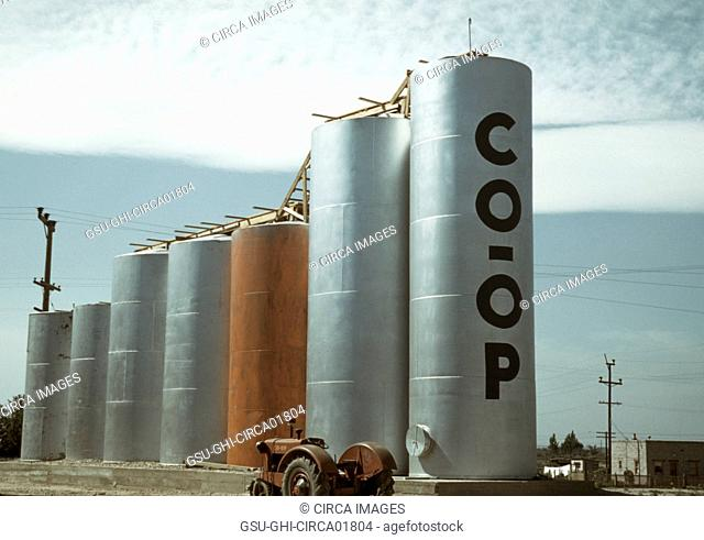 Grain Elevators, Caldwell, Ohio, USA, Russell Lee, July 1941