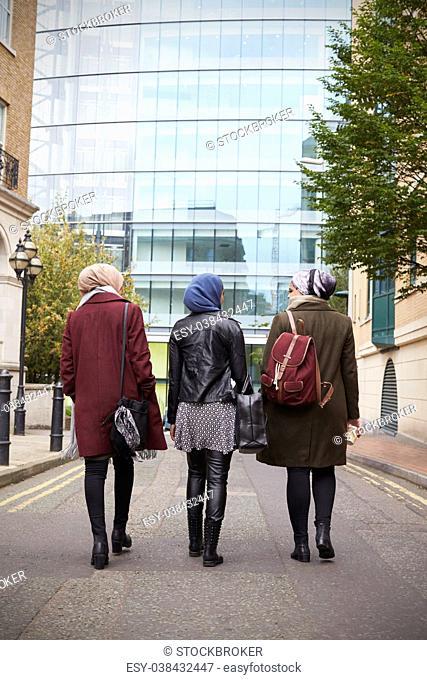 Group Of British Muslim Businesswomen Returning To Office