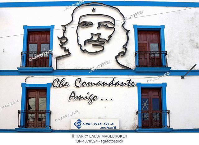 Portrait of Che Guevara on wall, Camagüey, Cuba