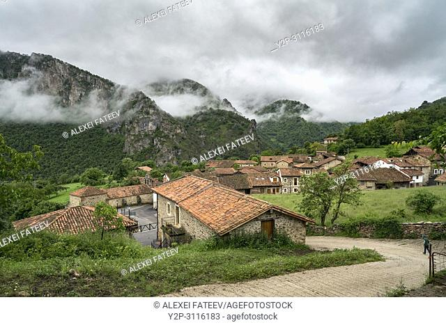 Small village Mogrovejo in Picos de Europa mountain rnage in Cantabria, Spain