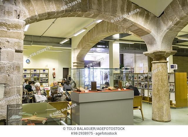 """""""""""""""Ars generalis ultima"""""""", libro manuscrito de Ramon Llull, encuadernado en el taller de Paz Alomar,biblioteca publica Can Sales"""