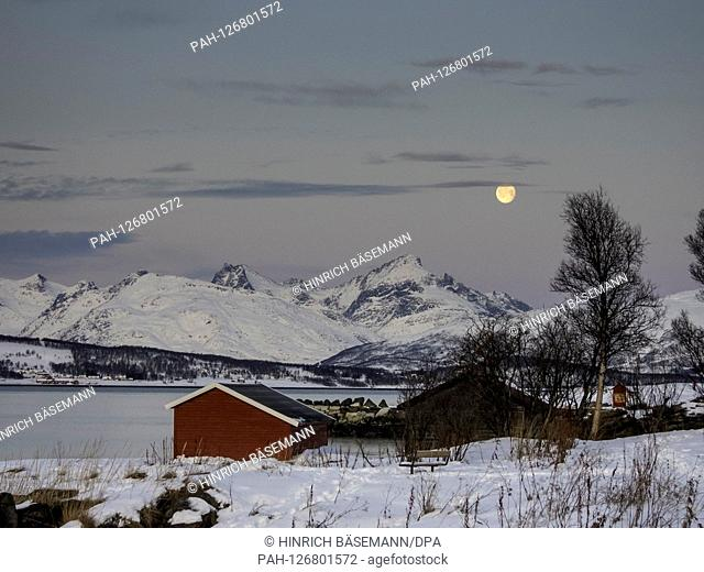winter landscape in northern Norway, | usage worldwide. - Tromsö/Troms/Norway