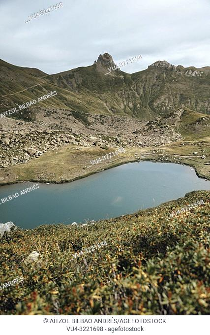 Pombie, an amazing refugee between spain and france, it has a little lake where you can swim after a nice hike