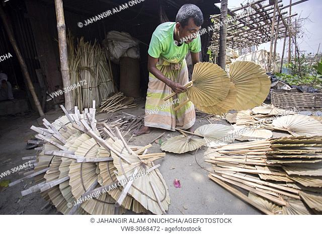 40 degree calices weather rural people need Hand held Fan. In Summer Bangladesh's weather become very hot above 40-45 degree calices
