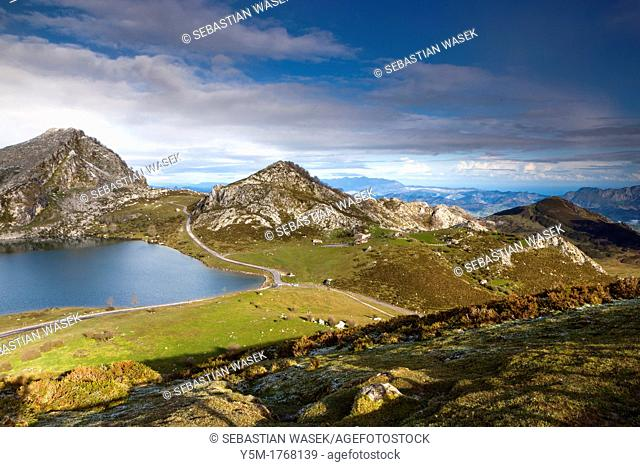 Lake Enol with La Porra Enol in the background, Picos de Europa National Park, Covadonga, Asturias, Spain