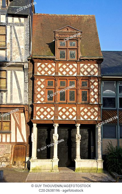 Half timbered colored Pavillon des Vertus, Virtues Pavilion, 16th c., Stone columns with women statues,old town, Rouen, 76, Normandy, France old town, Rouen, 76