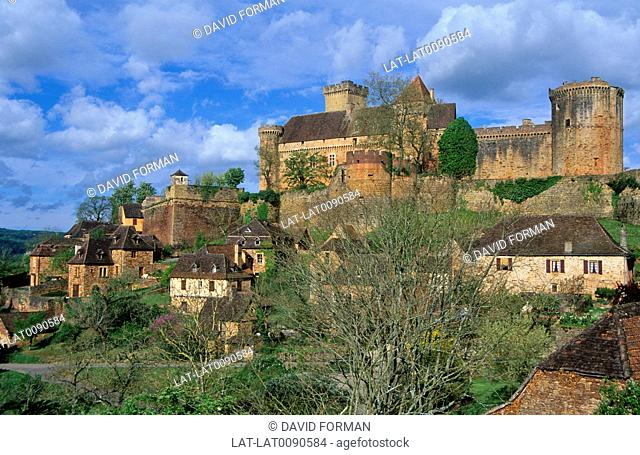 Castelnau-Bretenoux castle stands on a rocky spur above the Dordogne valley, 38km from Rocamadour. First references to the castle date from the 12th century