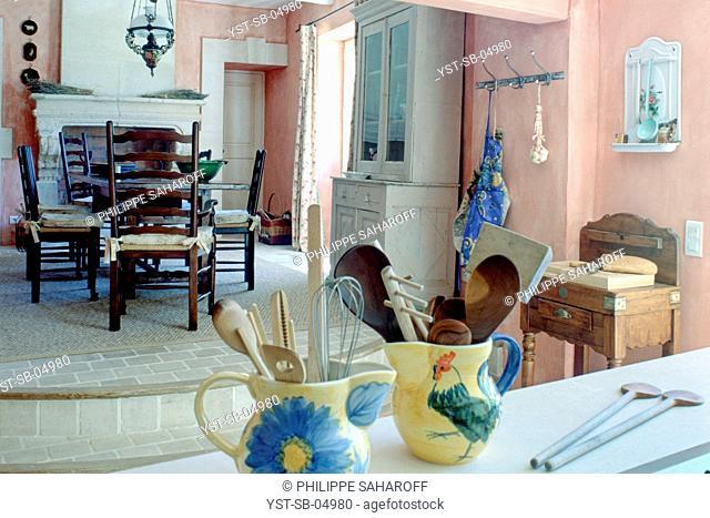Old abandoned hotel reformed, house, Luberon, Provence, France