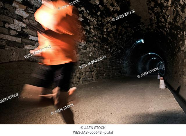 Runner training in a tunnel