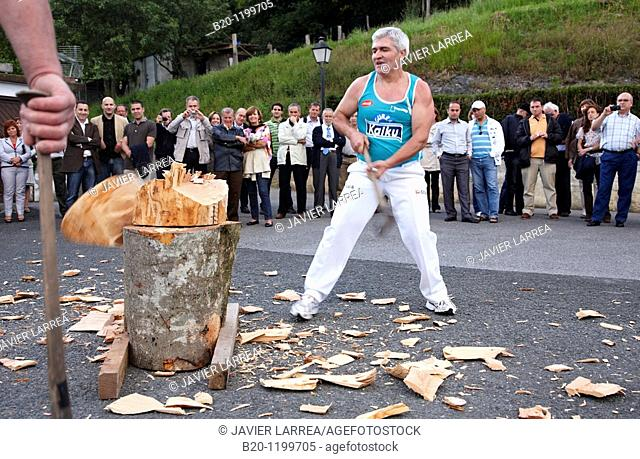 Luis Txapartegi, Aizkolari (wood-chopping), Basque rural sport, Aduna, Gipuzkoa, Basque Country, Spain