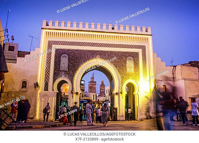 Bab Boujeloud, gateway through the town wall to the historic town centre or Medina, UNESCO World Heritage Site, Fez, Morocco, Africa