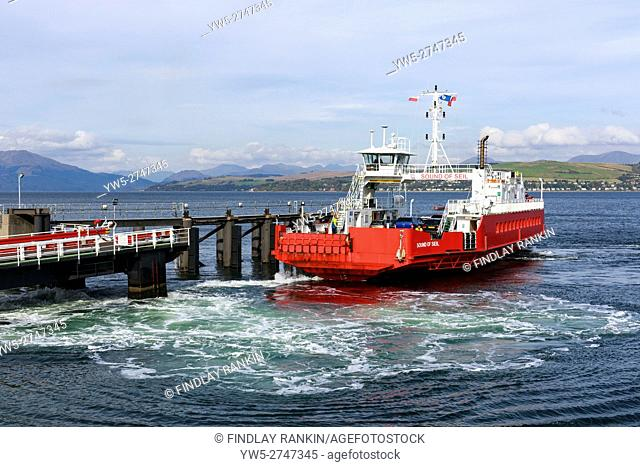 Sound of Seil, Western Ferries, car ferry leaving the pier at Gourock near Glasgow on the Firth of Clyde travelling to Dunoon. Scotland, UK