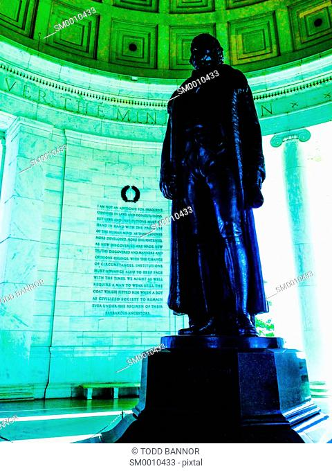 Jefferson Memorial, Statue of Thomas Jefferson with Panel IV in background