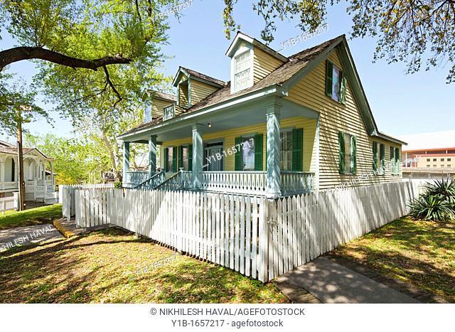 San Felipe Cottage, Sam Houston Park, Texas