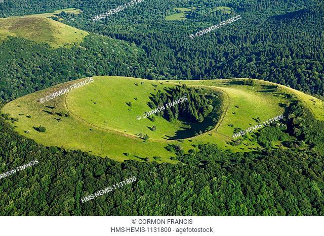 France, Puy de Dome, Parc Naturel Regional des Volcans d'Auvergne (Natural regional park of Volcan d'Auvergne), Chaine des Puys, Orcines