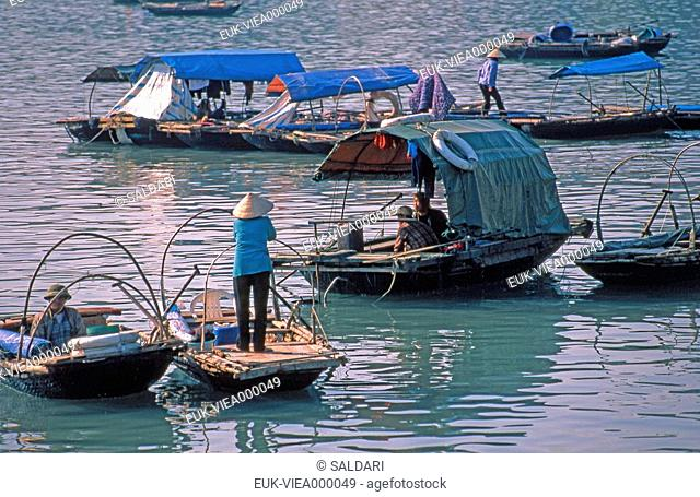 Sampan,Vietnam