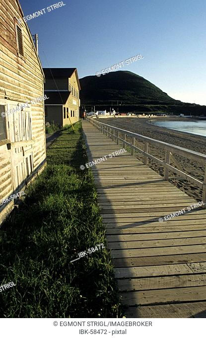 Seaside promenade, waterfront, of Trout River, Gros Morne National Park, Newfoundland