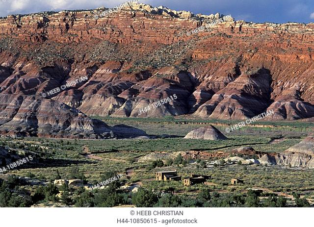 10850615, Usa, Kanab, Utah, Paria Movie Set, Grand