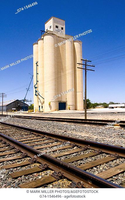 Grain Silo, Muleshoe, Texas, USA in Texas Panhandle, west Texas