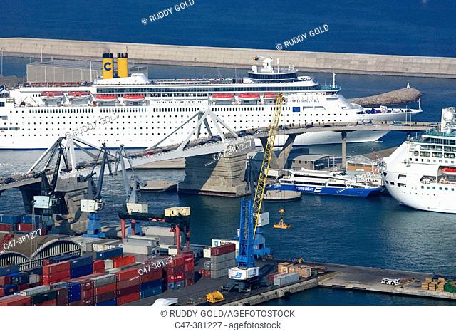Cruise ships. Port of Barcelona. Spain