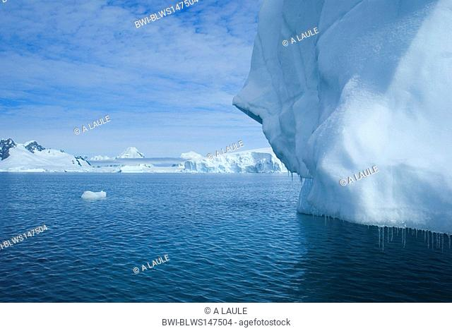 scenery with iceberg, Antarctica, Antarctic peninsula, Paradise Bay