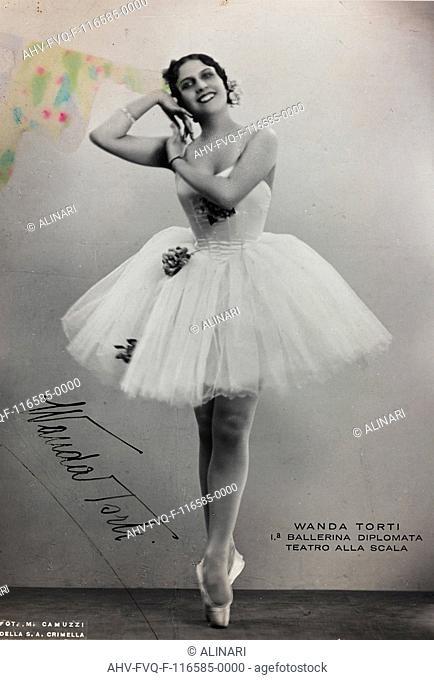 Portrait of the Italian dancer Wanda Torti, shot 1930 ca. by Camuzzi, Mario