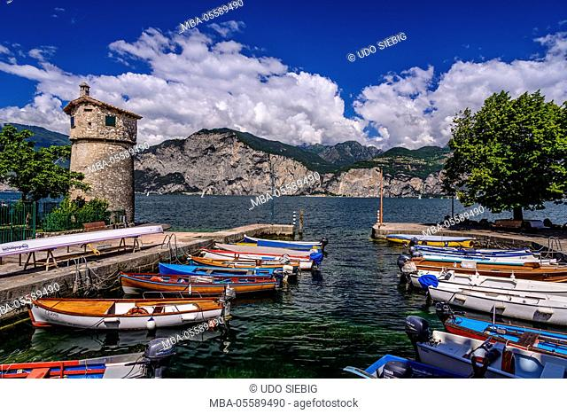 Italy, Veneto, Lake Garda, Cassone di Malcesine, harbour