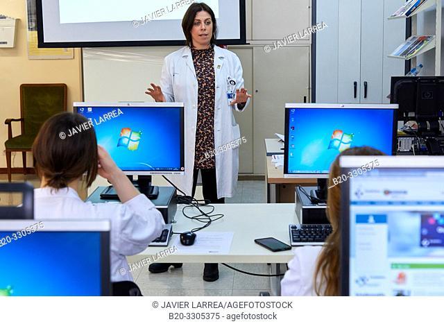 Computer training course for health professional, Library, Hospital Donostia, San Sebastian, Gipuzkoa, Basque Country, Spain