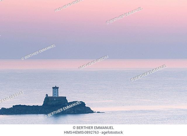 France, Cotes d'Armor, Plouezec, Hospic Lighthouse seen from the Pointe de Plouezec